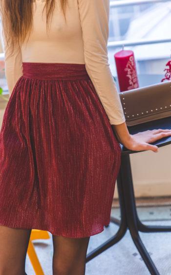 jupe courte plissée bordeaux made in France et demi-mesure