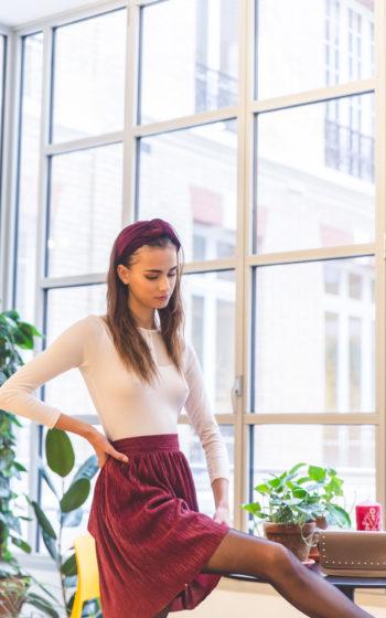 jupe courte bordeaux plissée made in France et demi-mesure