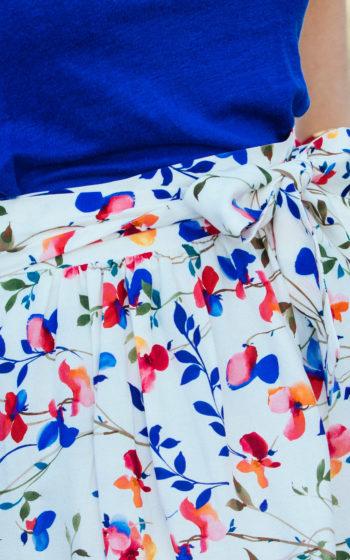 jupe blanche à fleurs courte, jupe made in france, jupe demi-mesure